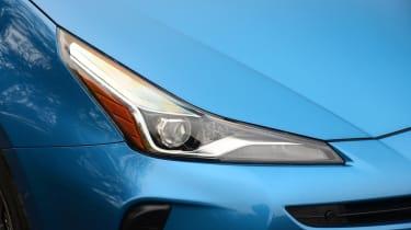 Toyota Prius - headlight