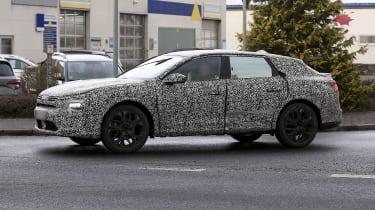 Citroen C5 electric car spy shots