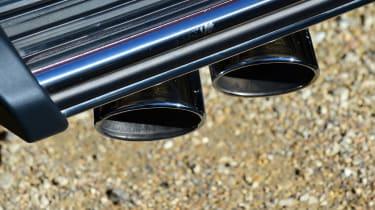 Mercedes G-Class - exhaust