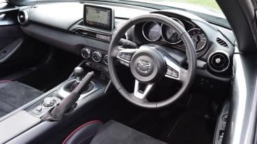 Audi RS5 - pop-up display screen