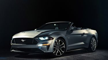 Ford Mustang convertible facelift front quarter
