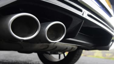 Volkswagen T-Roc R - exhausts