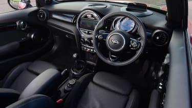MINI Convertible - dash
