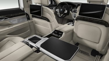 New 2015 BMW 7-Series rear tech
