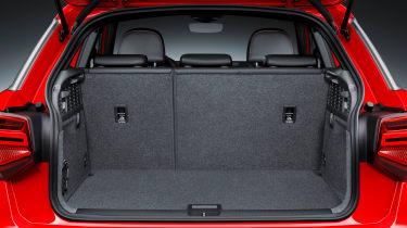 Audi Q2 Red boot