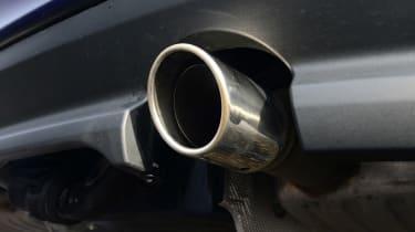 Jaguar XE - exhaust