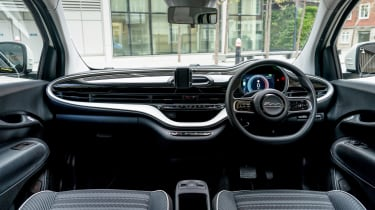 Fiat 500 Action - cabin