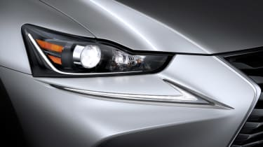 Lexus IS 2016 headlight 2