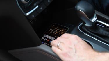 Hyundai Santa Fe - long-term first report phone