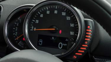 MINI Clubman long-term - gauges