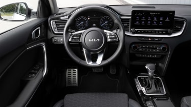 Kia Ceed facelift - dash