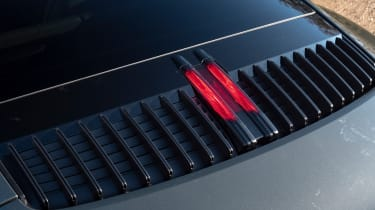 Porsche 911 Carrera - brake light