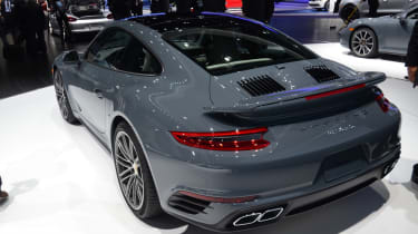 Porsche 911 Turbo 2016 - rear quarter show