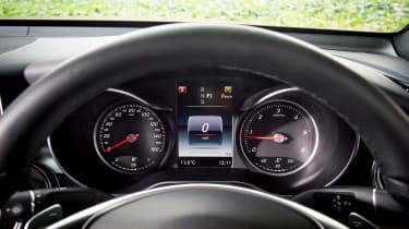 Mercedes GLC 250d Coupe - dials