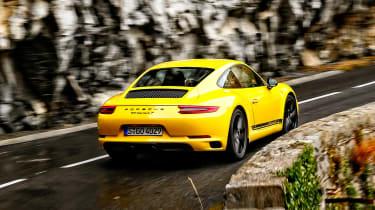 Porsche 911 Carrera T - rear