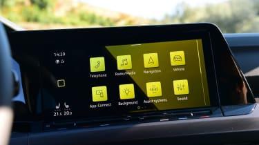 Volkswagen Golf Mk8 - infotainment