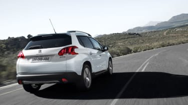 Peugeot 2008 rear tracking