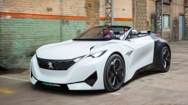 Our man Richard Ingram tries the Peugeot Fractal concept