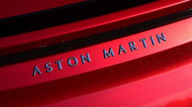 Aston Martin DBS Superleggera - Aston Martin