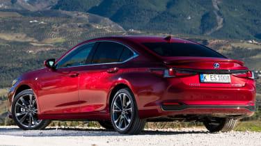 Lexus es 300h static rear