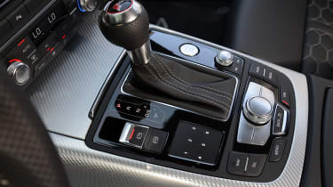 A eight-speed gearbox copes with the power of the engine well.