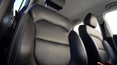 MG ZS - front seats