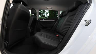 Volkswagen Passat GTE - rear seats