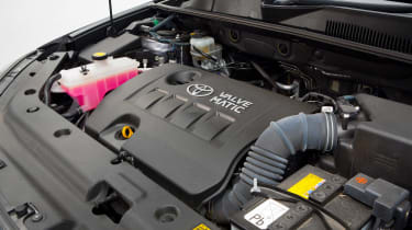 Used Toyota RAV4 - engine