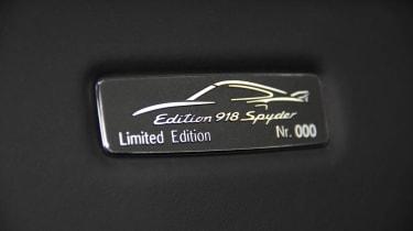 Porsche 911 Edition 918 Spyder plaque