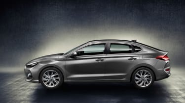 Hyundai i30 Fastback side on