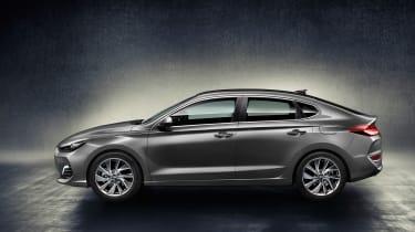 Hyundai i30 Fastback side on