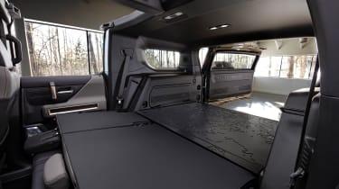 Hummer EV GMC - rear boot