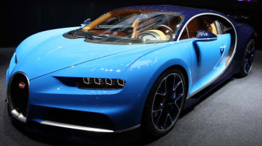 Bugatti Chiron Geneva 2016 - front angle