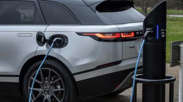 Range Rover Velar P400e - charging rear