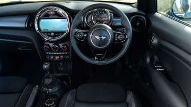 MINI Cooper 5dr interior