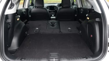 Jeep Compass - boot