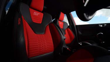 Ford Fiesta ST 5-door - front seats