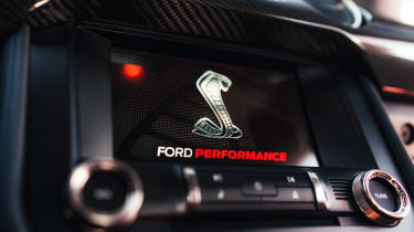 Ford Mustang Shelby GT500 - infotainment