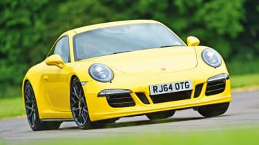 Porsche 911 Carrera 4 GTS - front cornering
