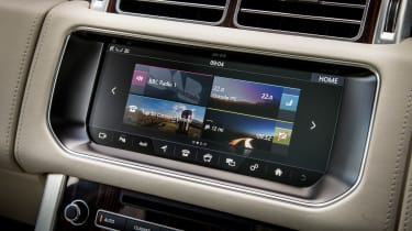 Range Rover Autobiography - infotainment screen