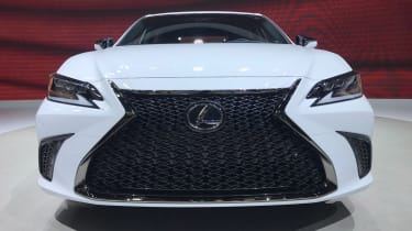 Lexus ES - Beijing show grille