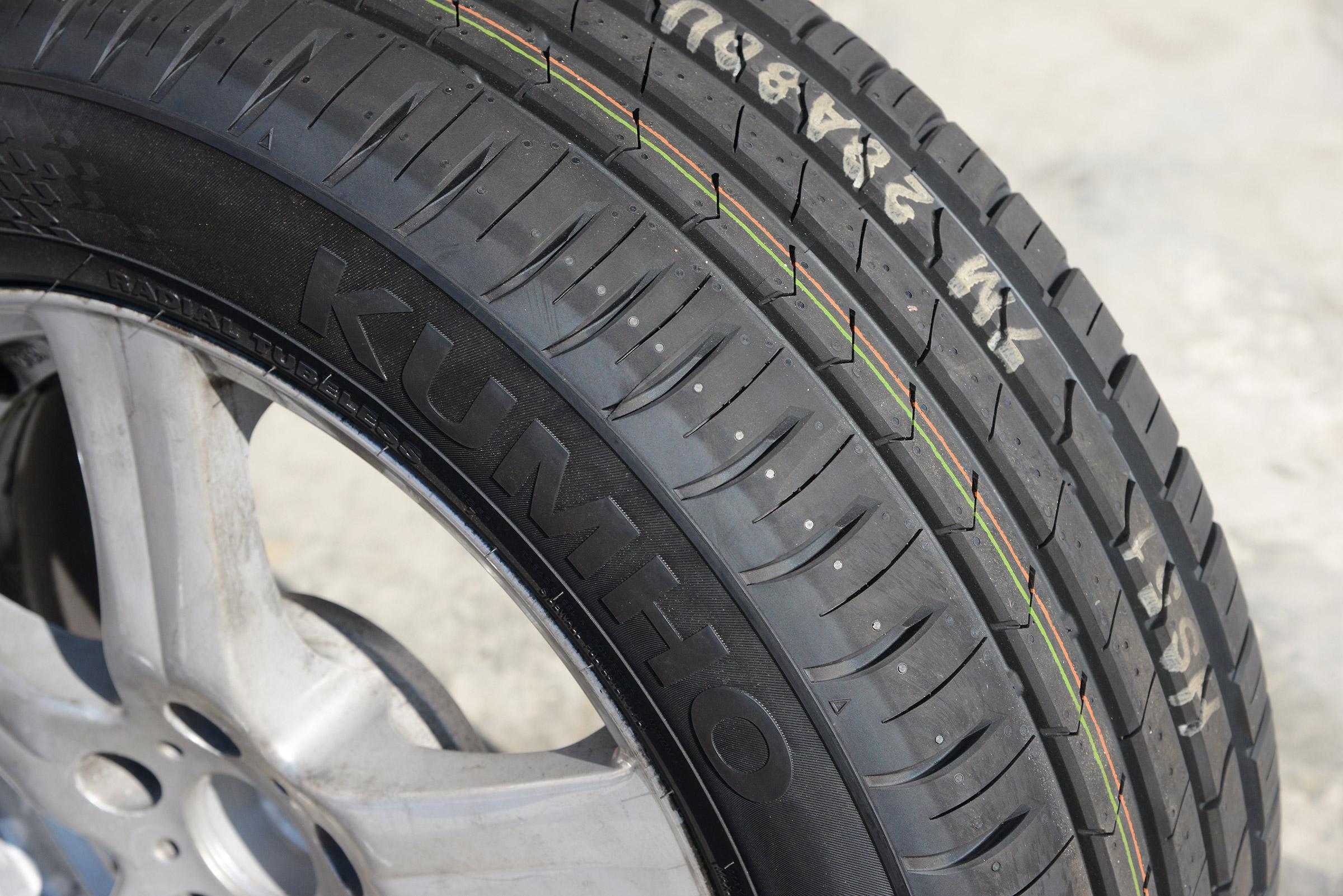 Kumho Tyres Car Kumho HS51 Solus