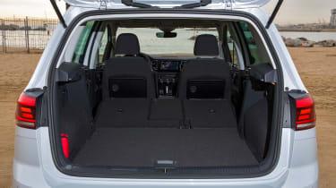 VW Golf SV - boot
