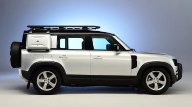Land Rover Defender - studio side