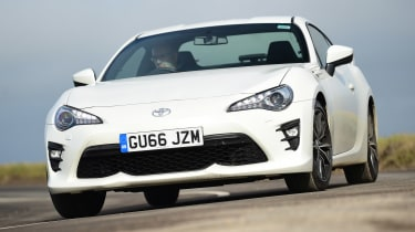 Toyota GT86 - front cornering