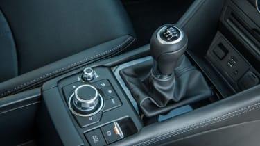 Mazda CX-3 - gear lever