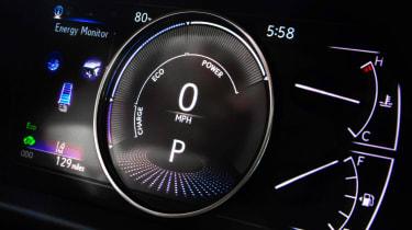 Lexus ES - dials
