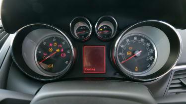 Used Vauxhall Zafira Tourer - dials