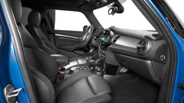 MINI 5-door hatch facelift - front seats