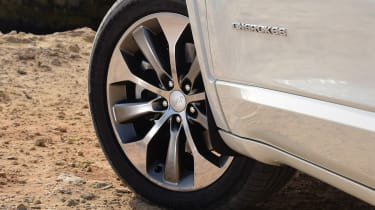Jeep Cherokee - wheel